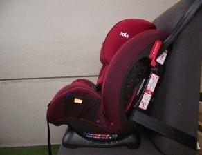 sillas de niño con cinturón de seguridad
